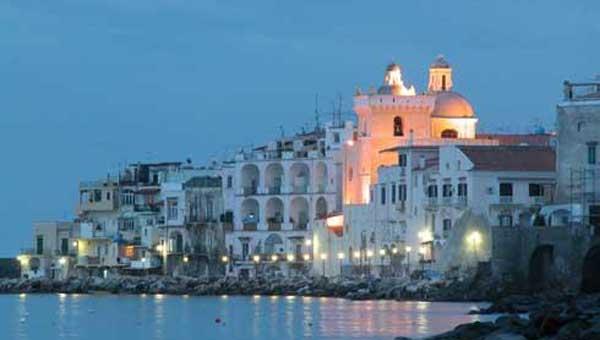ischia_paese-tramonto-600x340-20kb1